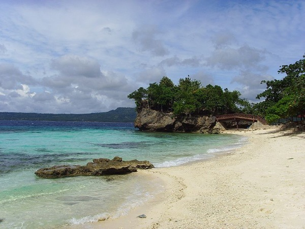 800px Salagdoong beach
