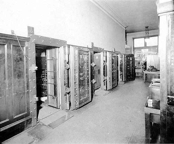 Dexter Horton National Bank interior ca 1920 SEATTLE 170